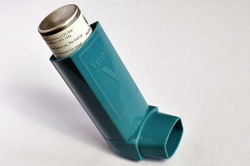 allergy-spray-bottle-blue-health-product-660816-pxhere.com